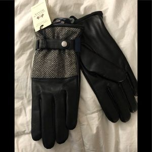 NWT Sterling winter gloves.